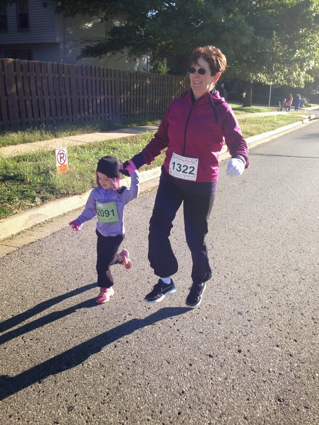 Skipping to the finish with Mommom